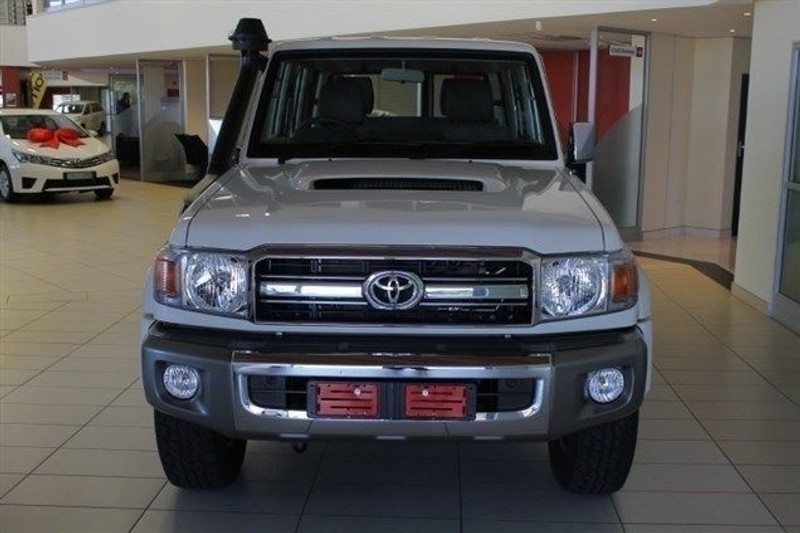 Used Toyota Land Cruiser 79 4 5D V8 DOUBLE CAB c for sale in