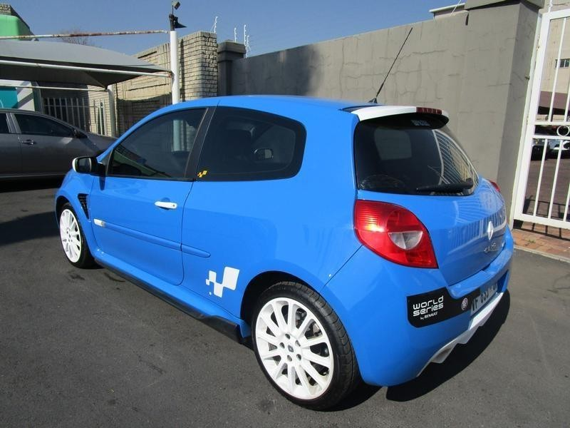 Used Renault Clio Iii 2 0 Sport 3dr For Sale In Gauteng