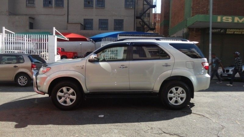 Used Toyota Fortuner 3.0 D4D automatic 2010 model for sale ...