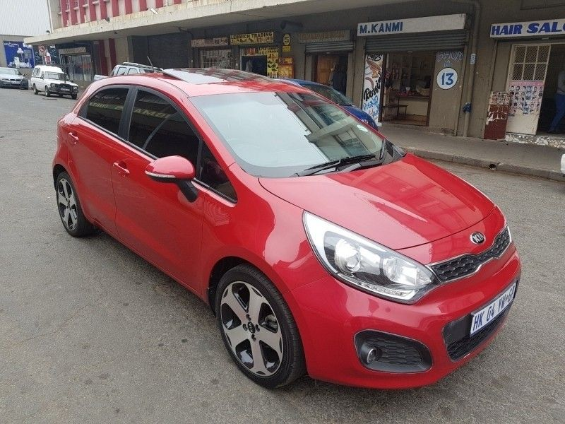 Used Kia Rio WITH LEATHER INTERIOR AND SUNROOF for sale in