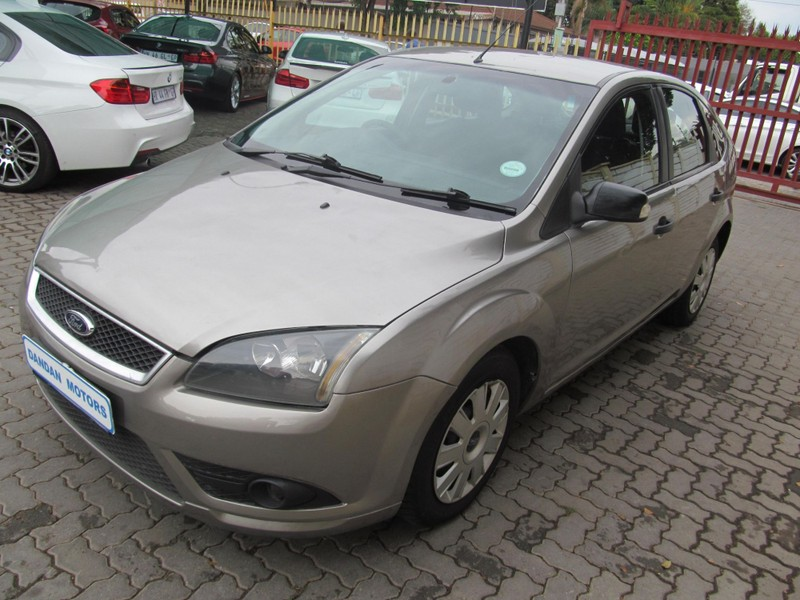 used ford focus 1 6 trend for sale in gauteng