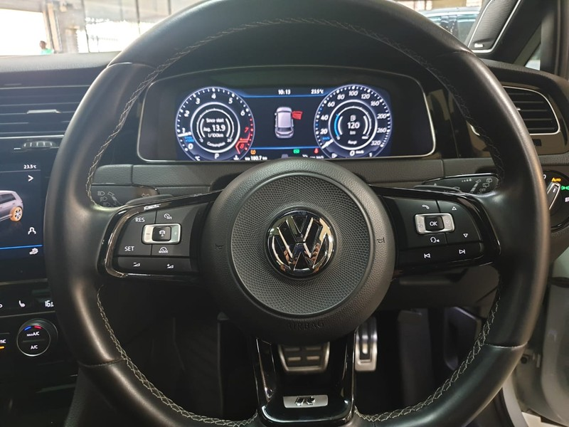 used volkswagen golf golf vii 2 0 tsi gti 7 5r for sale in. Black Bedroom Furniture Sets. Home Design Ideas