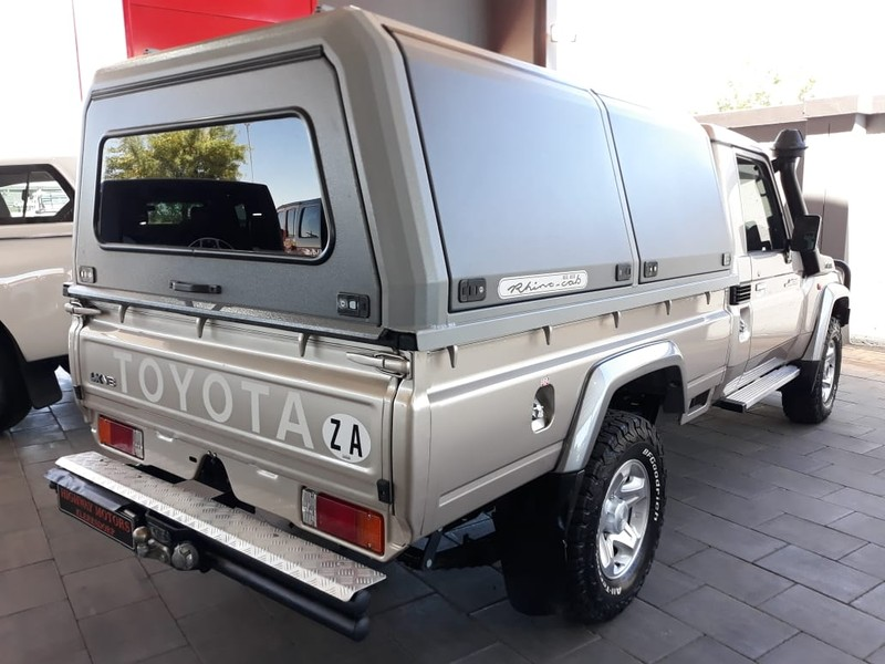 Used Toyota Land Cruiser 79 4 5D V8 LX P/U S/C for sale in