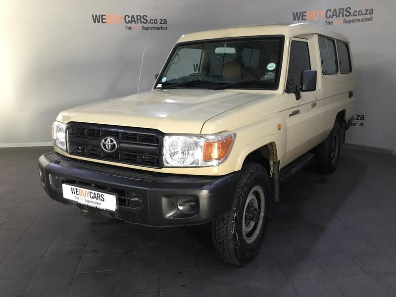 2011 Toyota Land Cruiser 78 4.2d Sw  Western Cape Cape Town_0