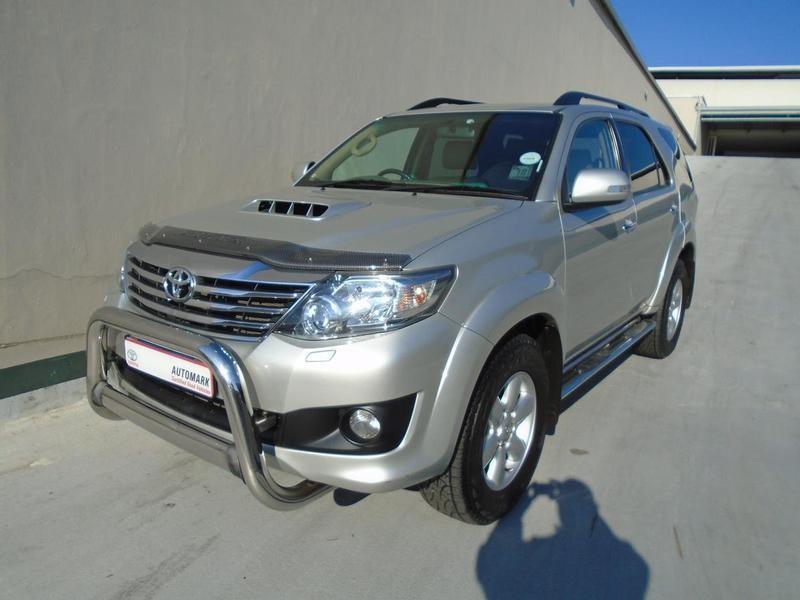2014 Toyota Fortuner 3.0d-4d Rb  Gauteng Rosettenville_0