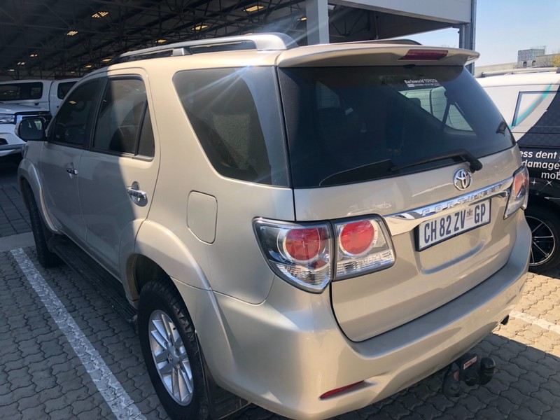 Used Toyota Fortuner 2 5d 4d Rb For Sale In Gauteng Cars Co Za Id