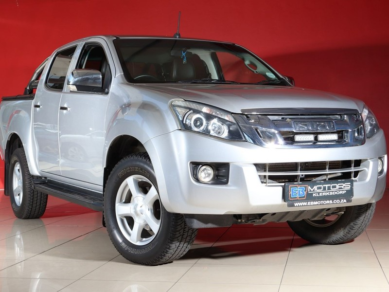 2015 Isuzu KB Series 300 D-TEQ LX Double cab Bakkie North West Province Klerksdorp_0
