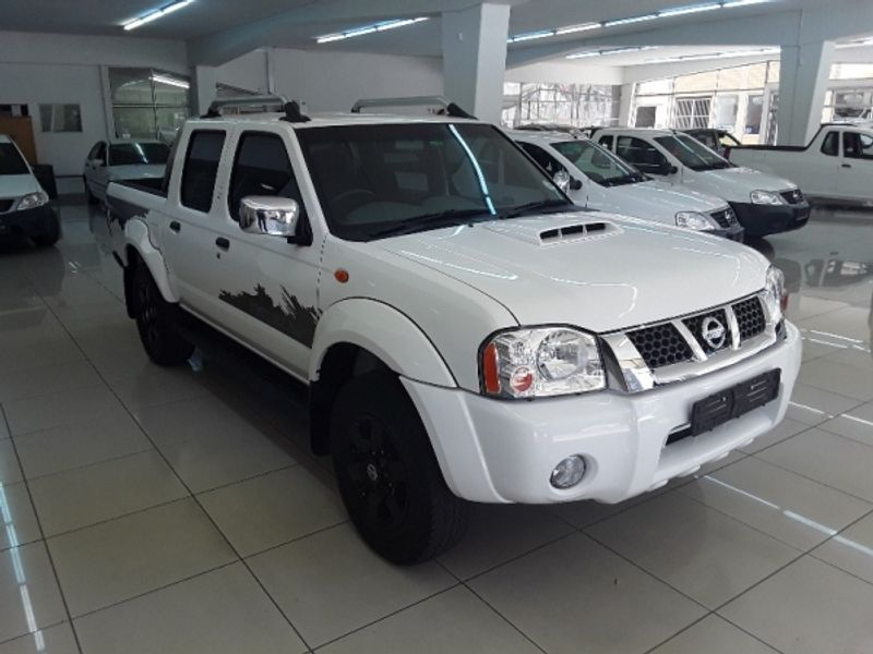 2018 Nissan NP300 Hardbody 2.5 TDi Rogue Double Cabe Bakkie Free State Bloemfontein_0