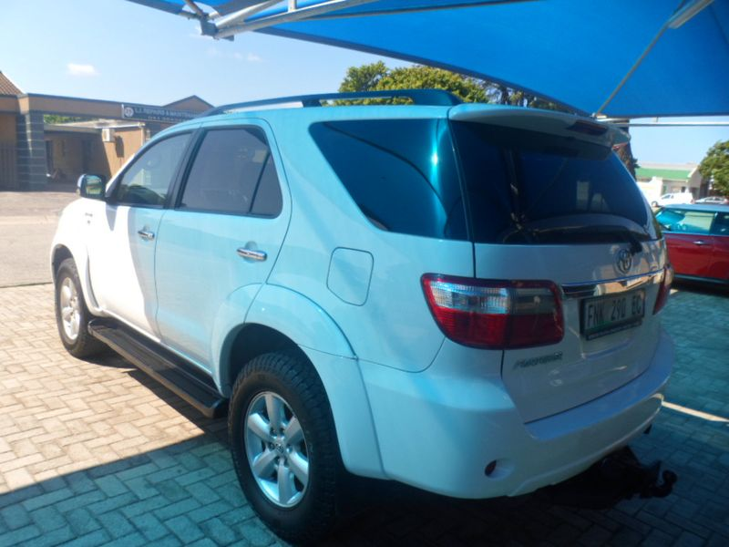 used toyota fortuner 3 0d b a  t for sale in eastern