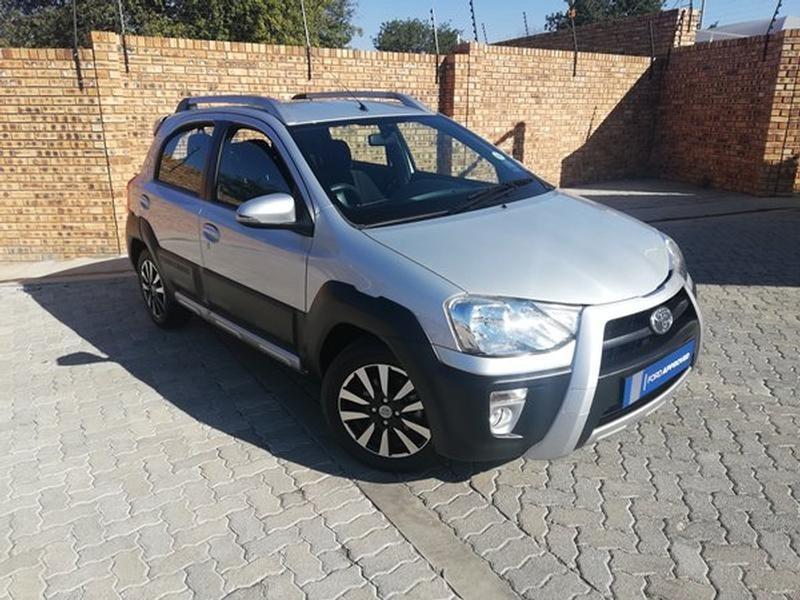 2017 Toyota Etios Cross 1.5 Xs 5Dr North West Province Rustenburg_0
