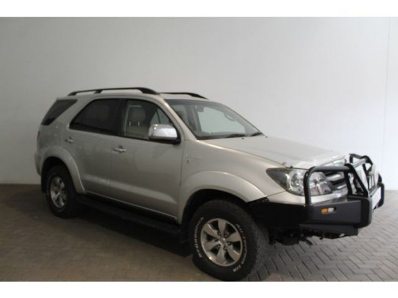 2008 Toyota Fortuner 4.0 V6 At 4x4  Northern Cape Kimberley_0