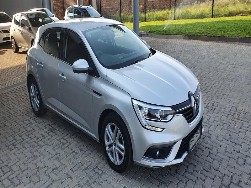 2019 Renault Megane IV 1.6 Expression North West Province Rustenburg_0
