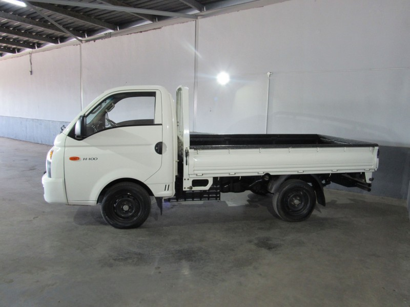 used hyundai h100 bakkie 2.6d f/c c/c for sale in gauteng