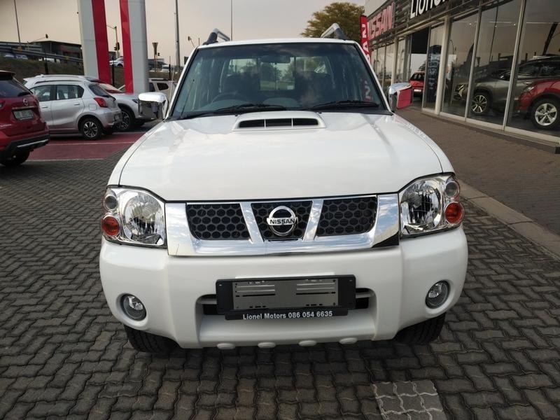 2020 Nissan NP300 Hardbody 2.5 TDi HI-RIDER Double Cab Bakkie North West Province Rustenburg_0