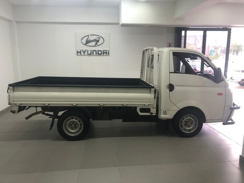 used hyundai h100 bakkie 2.6i d f/c d/s for sale in