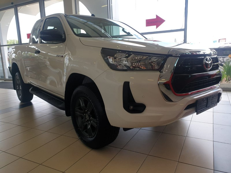 2021 Toyota Hilux HILUX XC 2.4 GD-6 RB RAIDER 6AT Gauteng Midrand_0