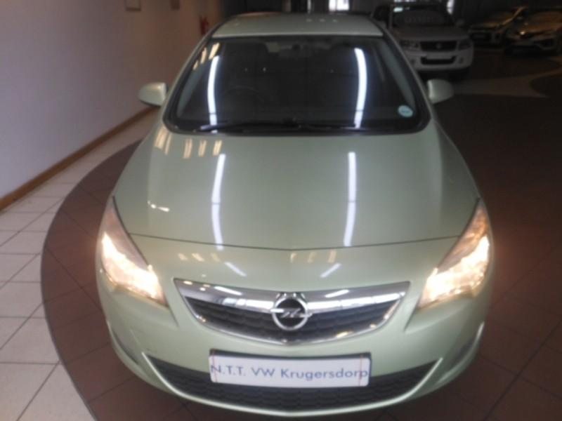 2012 Opel Astra 1.6 Essentia 5dr  Gauteng Krugersdorp_0