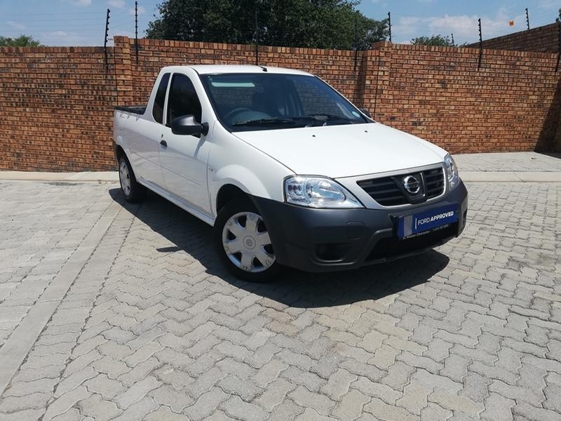 2017 Nissan NP200 1.6  Ac Safety Pack Pu Sc  North West Province Rustenburg_0
