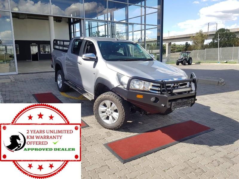 2016 Toyota Hilux 4.0 V6 Raider 4x4 Double Cab Bakkie Auto Gauteng Midrand_0