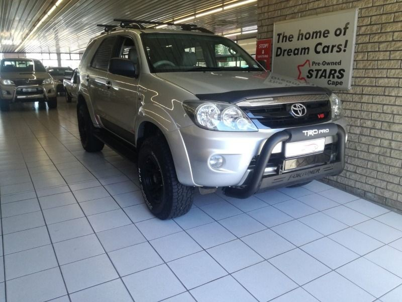 2006 Toyota Fortuner 4.0 V6 4x4  Western Cape Bellville_0