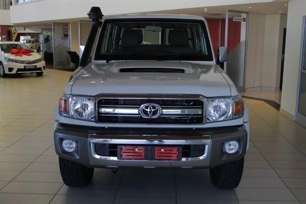 2020 Toyota Land Cruiser 79 4.5D V8  DOUBLE CAB c Gauteng Midrand_0