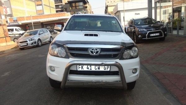 Used Toyota Fortuner 3 0d4d With 97338 Km 2008 Model For