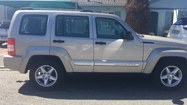 2011 Jeep Cherokee 3.7 Limited At  Western Cape Diep River_0