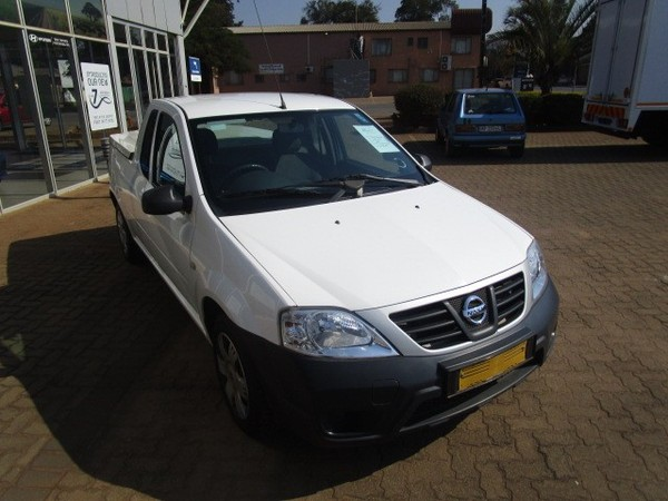 2015 Nissan NP200 1.5 Dci  Ac Safety Pack Pu Sc  Limpopo Louis Trichardt_0