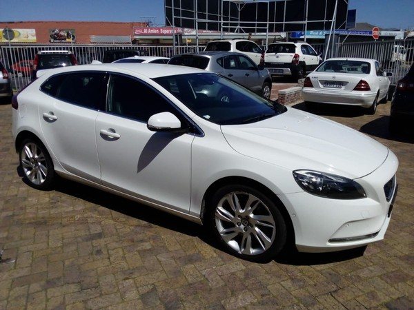 2013 Volvo V40 D3 Excel Geartronic  Western Cape Plumstead_0