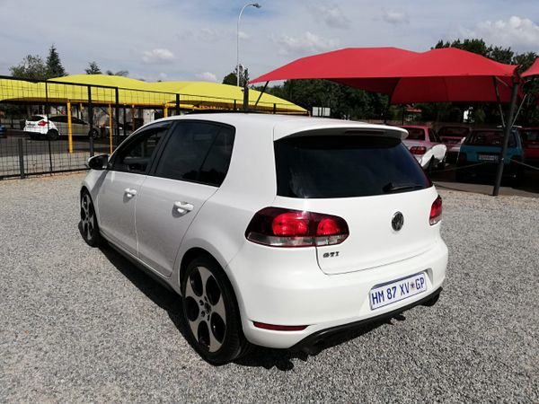 2010 Volkswagen Golf GTI 2.0T MANUAL Gauteng Edenvale_0
