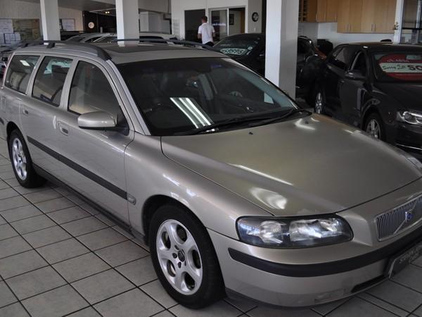 2004 Volvo V70 2.5t At  Western Cape Cape Town_0