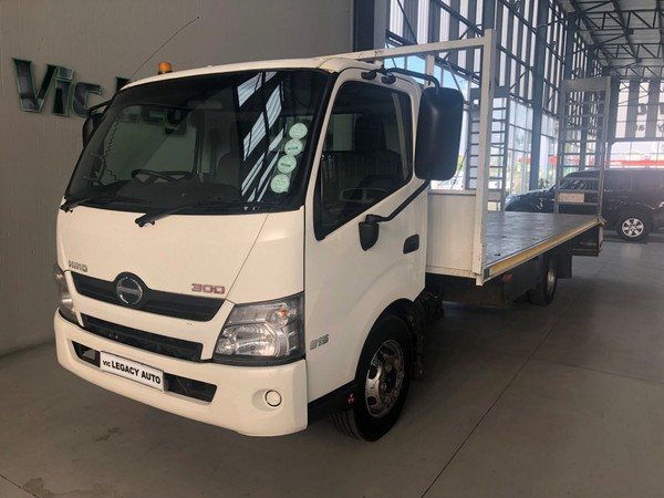 2013 Hino 300 815 Lwb bb3 At Fc Cc  Gauteng Vereeniging_0
