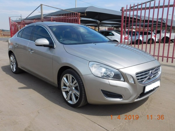 Used Volvo S60 T5 Automatic 2 0 for sale in Gauteng - Cars