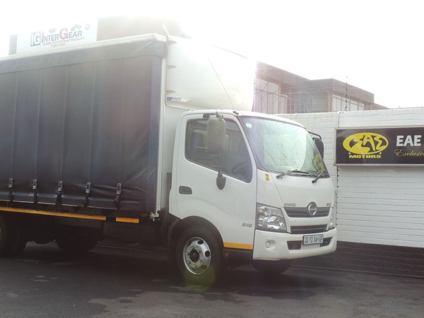 2013 Hino 300 915 Lwb Fc Cc  Gauteng Vereeniging_0