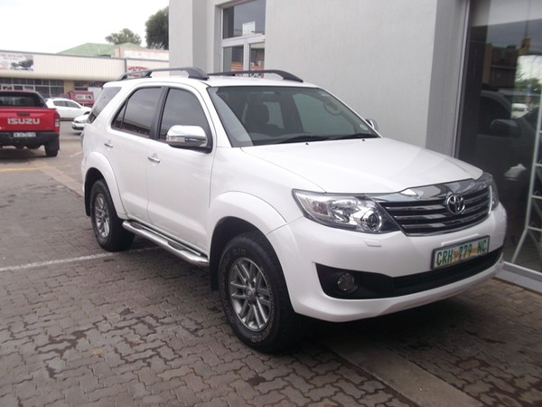 2013 Toyota Fortuner 4.0 V6 At 4x4  Northern Cape Kimberley_0