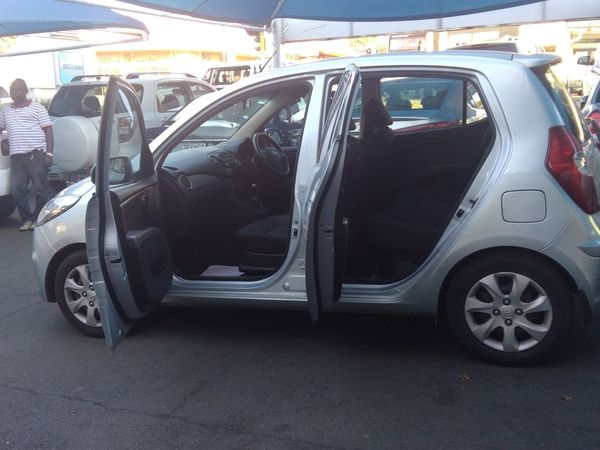 2013 Hyundai i10 1.1 Gls  Gauteng Johannesburg_0