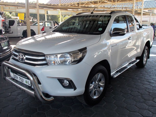 2017 Toyota Hilux 2.8 GD-6 RB Raider Extra Cab Bakkie Auto Gauteng Pretoria North_0