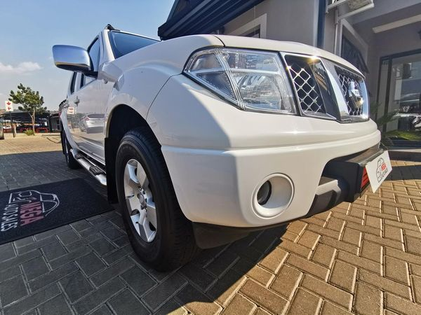 2013 Nissan Navara 2.5 Dci Le Pu Dc  Gauteng Pretoria_0