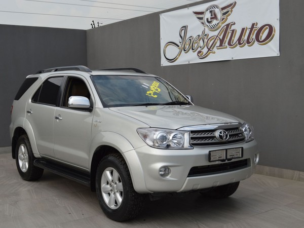 2011 Toyota Fortuner 4.0 V6 At 4x4  Gauteng Vereeniging_0
