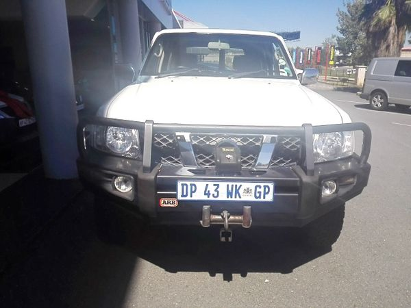 2015 Nissan Patrol 4.8 Grx 4x4 At p71  Gauteng Sandton_0
