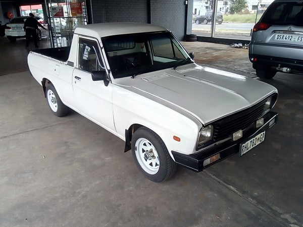 2004 Nissan 1400 Bakkie IN-HOUSE FINANCE AVAILABLE  Gauteng Springs_0