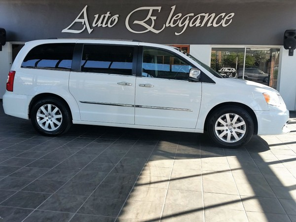 2014 Chrysler Grand Voyager 2.8 Limited At  Gauteng Pretoria_0