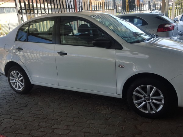 2016 Volkswagen Polo Vivo 1.6 sedan Gauteng Jeppestown_0