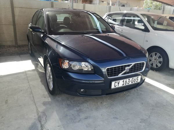 2006 Volvo S40 2.4i At  Western Cape Kuils River_0