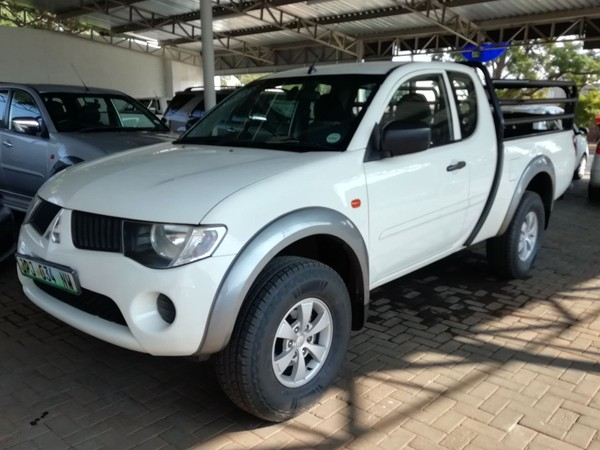 2011 Mitsubishi Triton 2.5 Di-d Club Cab Pu Sc  North West Province Rustenburg_0