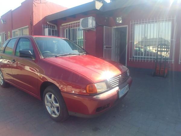1999 Volkswagen Polo Playa 1.6  Gauteng Johannesburg_0