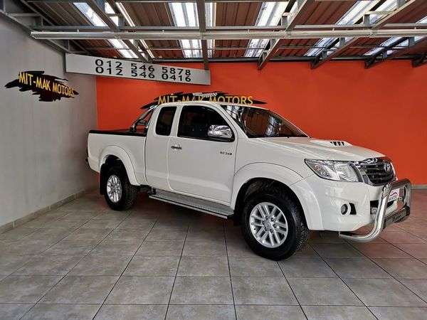 2015 Toyota Hilux 3.0d-4d Raider Xtra Cab Pu Sc  Gauteng Pretoria_0