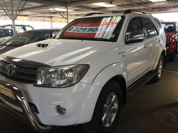 2010 Toyota Fortuner 3.0d-4d Rb At  Gauteng Westonaria_0