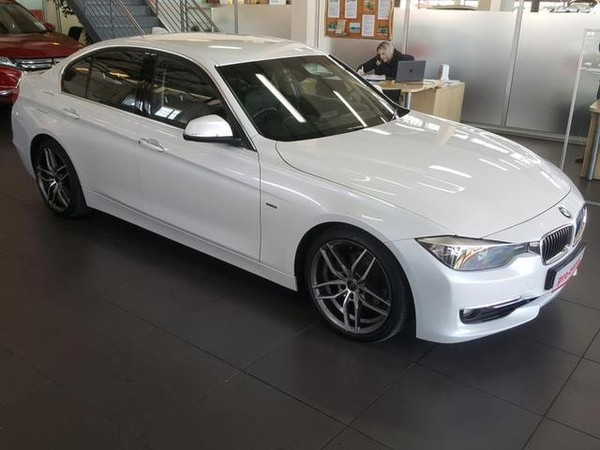 2013 BMW 3 Series 320i Luxury Line At f30  Gauteng Rivonia_0