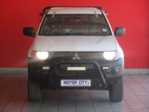 2015 Mitsubishi Triton 2.5 Di-d Glx Pu Sc  Mpumalanga Middelburg_0